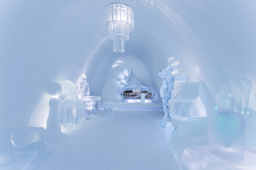 ICEHOTEL Absinthe Minded