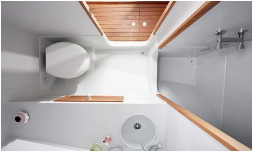 Firmship 42 luxury boat bathroom