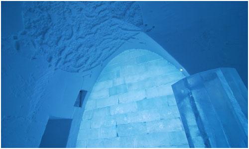 Icehotel Icebar