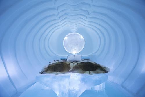 ICEHOTEL Blue Marine